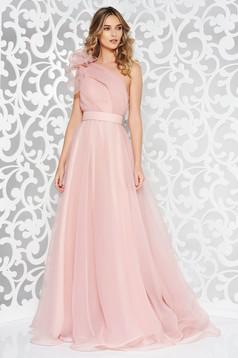 Rochie Ana Radu roz deschis de lux pe umar croi in clos captusita pe interior accesorizata cu cordon