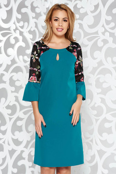 Green elegant dress with bell sleeve slightly elastic fabric with embroidery details