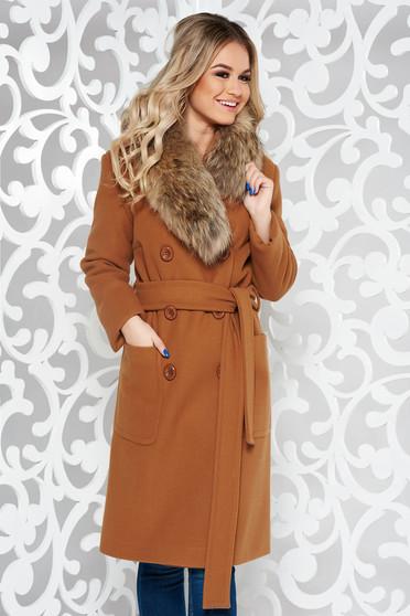 Palton LaDonna maro elegant cu un croi drept din lana cu guler din blana naturala