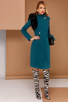 Palton PrettyGirl turcoaz elegant din stofa neelastica captusit pe interior cu insertii cu blana ecologica