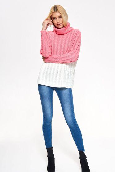 Pulover Top Secret roz casual cu croi larg pe gat din material tricotat