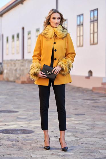 Palton LaDonna mustariu elegant scurt cu croi larg din lana captusit pe interior accesorizat cu cordon
