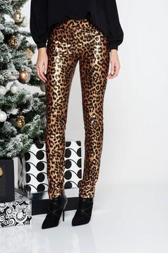 Pantaloni PrettyGirl maro de party cu un croi mulat cu talie medie din piele ecologica cu animal print