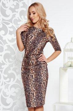 Fofy brown elegant dress with tented cut slightly elastic fabric