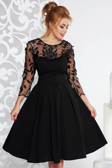 Rochie Artista neagra de ocazie in clos din stofa usor elastica captusita pe interior cu bust buretat