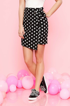 Top Secret black short cut high waisted skirt with tented cut slightly elastic fabric with dots print