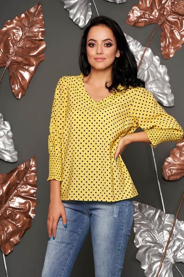 Bluza dama Top Secret galbena casual cu croi larg cu maneca 3/4 din material vaporos cu buline