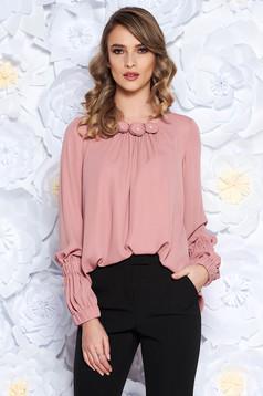 Bluza dama LaDonna rosa office cu croi larg din voal captusita pe interior cu aplicatii florale