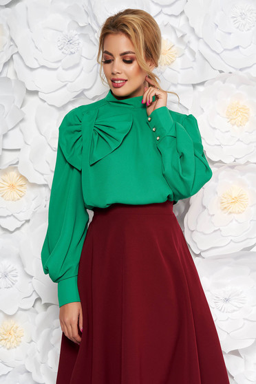 Bluza dama LaDonna verde eleganta cu croi larg din material vaporos captusita pe interior accesorizata cu o fundita