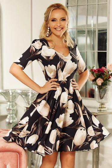 Rochie Fofy neagra eleganta in clos din material usor elastic cu imprimeu floral si buzunare