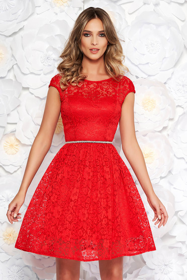 Rochie StarShinerS rosie eleganta in clos din dantela captusita pe interior accesorizata cu cordon