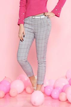 Pantaloni SunShine albe casual cu talie medie din bumbac usor elastic cu accesoriu tip curea