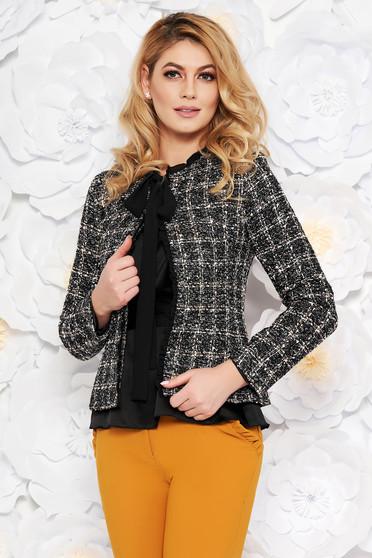 Blazer LaDonna negru elegant cu un croi cambrat din lana captusit pe interior cu aplicatii cu paiete