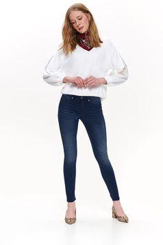 Blugi Top Secret albastri-inchis casual skinny cu talie medie din bumbac elastic cu buzunare
