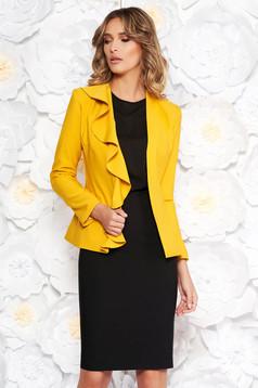 Compleu LaDonna galben elegant din stofa usor elastica captusit pe interior cu volanase