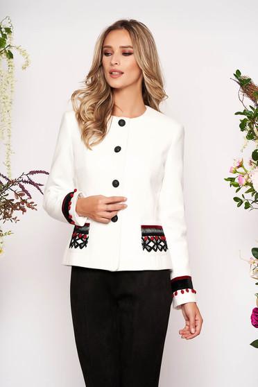 Sacou LaDonna alb din lana cambrat elegant tip blazer cu aplicatii cusute manual