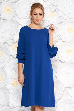 Rochie albastra eleganta cu croi larg din material usor elastic cu volanase la maneca