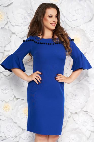 Rochie albastra eleganta tip creion din material fin la atingere cu maneci clopot cu ciucuri