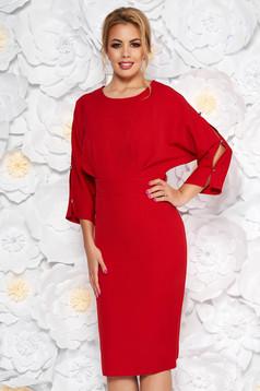 Rochie rosie eleganta tip creion din stofa usor elastica cu maneci decupate
