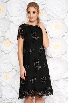 Rochie neagra eleganta de ocazie din dantela cu croi in a cu aplicatii cu paiete captusita pe interior