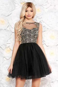 Black dress occasional with inside lining cloche from tulle laced