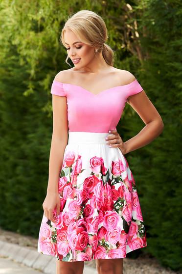 Rochie StarShinerS roz scurta de ocazie in clos din satin cu imprimeu floral si cordon detasabil