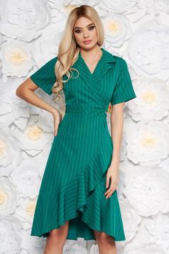 Rochie verde de zi cu maneci scurte cu volanase la baza rochiei cu decolteu in v