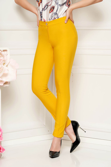Pantaloni LaDonna mustarii office conici cu talie medie din material usor elastic cu buzunare false
