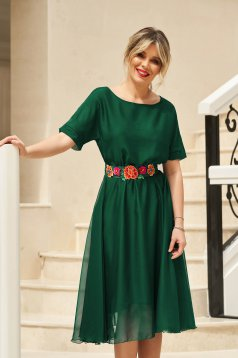 Rochie StarShinerS verde de ocazie in clos cu elastic in talie accesorizata cu cordon cu broderie