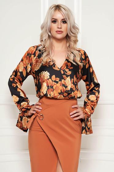 Bluza dama PrettyGirl maro office cu croi larg din material satinat cu imprimeuri florale
