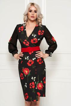Rochie PrettyGirl neagra cu flori rosii eleganta midi tip creion din stofa subtire usor elastica cu accesoriu tip curea
