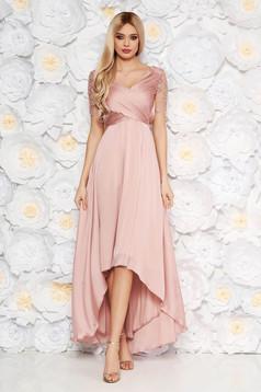 Rochie rosa de ocazie asimetrica din material subtire captusita pe interior cu aplicatii cu paiete