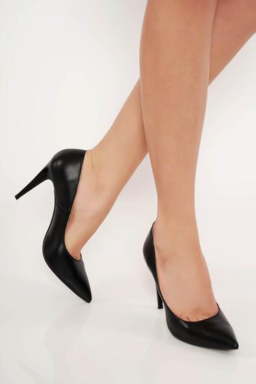 Pantofi negri din piele naturala cu toc inalt cu varful usor ascutit