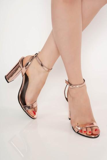 Sandale rosa de ocazie din piele naturala cu toc gros