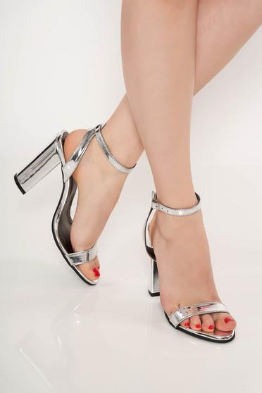Sandale argintii de ocazie din piele naturala cu toc gros