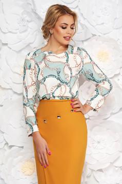 Bluza dama alba eleganta cu croi larg din material fin la atingere cu imprimeuri grafice