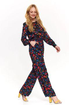 Pantaloni Top Secret negri casual cu talie inalta evazati din material subtire cu imprimeuri florale