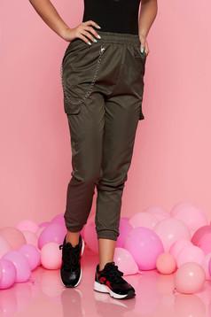 Pantaloni SunShine khaki casual cu talie medie cu elastic in talie lantisor detasabil