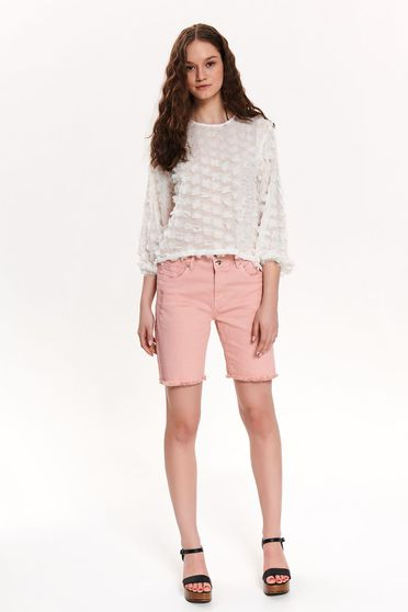 Pantalon scurt Top Secret roz casual pana la genunchi cu mici rupturi de material