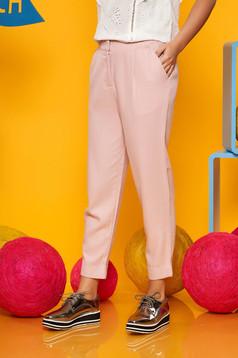 Pantaloni Top Secret roz deschis casual cu talie medie din material vaporos cu buzunare