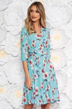 Rochie albastra-deschis StarShinerS eleganta in clos cu elastic in talie din material subtire cu imprimeu floral