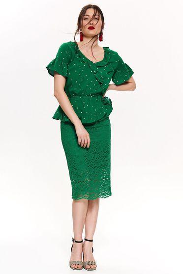 Bluza dama Top Secret verde cu volanase cu decolteu in v cu maneca scurta din material vaporos cu buline