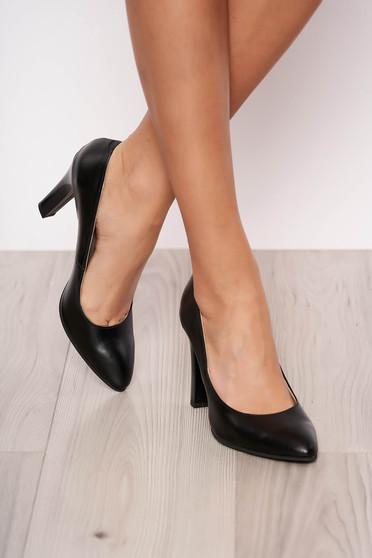 Pantofi negri elegant din piele naturala cu toc inalt cu varful usor ascutit