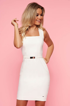 Top Secret white office dress with tented cut slightly elastic cotton accessorized with belt