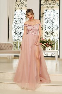 Rochie StarShinerS rosa de ocazie lunga in clos cu umeri goi