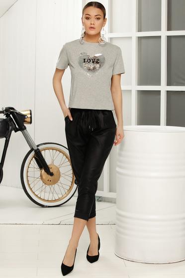 Pantaloni negri casual cu talie medie cu elastic in talie cu buzunare