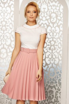 Fusta Fofy rosa eleganta plisata in clos cu talie inalta cu accesoriu tip curea din stofa subtire usor elastica