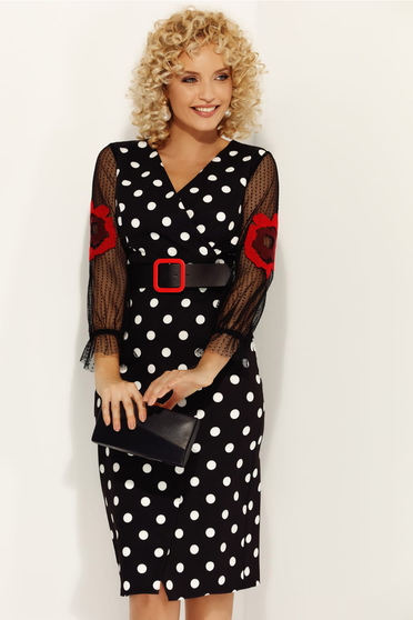 Rochie Fofy neagra cu accente rosii eleganta de zi cu un croi mulat in clos cu decolteu in v din material fin la atingere cu buline