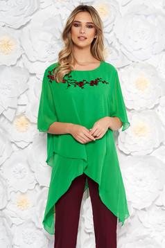 Bluza dama verde eleganta cu croi larg asimetrica din voal si broderie in fata