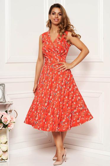 Rochie portocalie de zi in clos cu decolteu in v din material fin la atingere cu imprimeuri florale